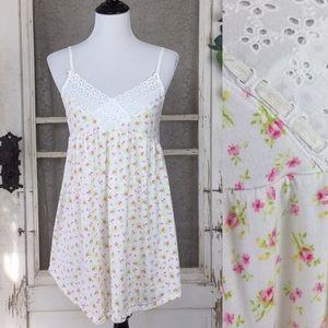 4/$25 Victoria's Secret Floral Lace Nightie M